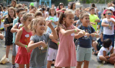 """С повече от 650 ученици започна десетата лятна академия на """"Заедно в час"""""""