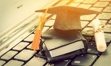 Историята на един учител: Защо да поканиш успешен човек в клас (дори и виртуално)